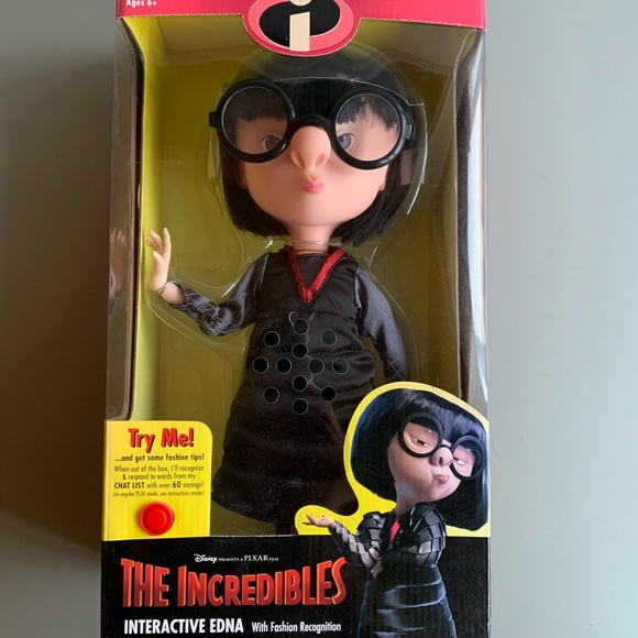 NIB Disney/Pixar Edna Mode Talking Figure